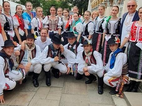 LETO S FS ŠAĽAN - JARMOKY, FESTIVALY, ZVYKY, DOMA AJ V ZAHRANIČÍ...