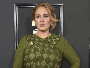 Adele compartirá custodia de su hijo, no pagará manutención
