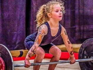 Una niña de 7 años puede levantar 80 kilos; rompe récords en el powerliftingEste contenido ha sido