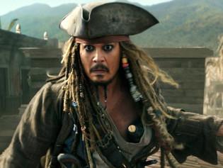 Johnny Depp la sigue pasando mal: capturaron a un indigente dentro de su mansión mientras se duchaba