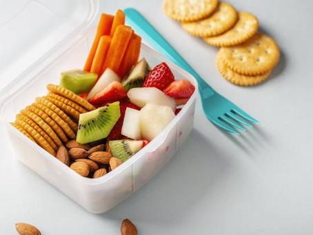 Ideas para una lonchera sana mientras los niños reciben clases en sus hogares