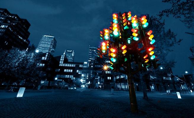 Traffic Light Tree Docklands London 2.jp