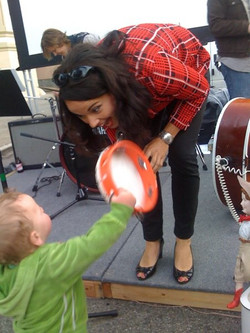 Patsychords play for the littles by: Emi Photo