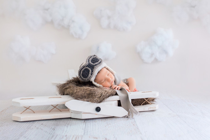 Cole | Button Nose Bi-Plane Newborn Session