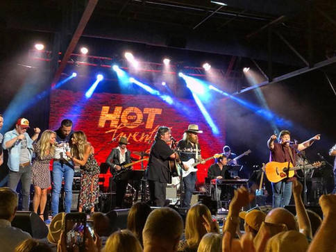 """Shenandoah Performs """"Church on Cumberland Road"""" on CMT's Hot 20 Countdown with All Star Guests"""