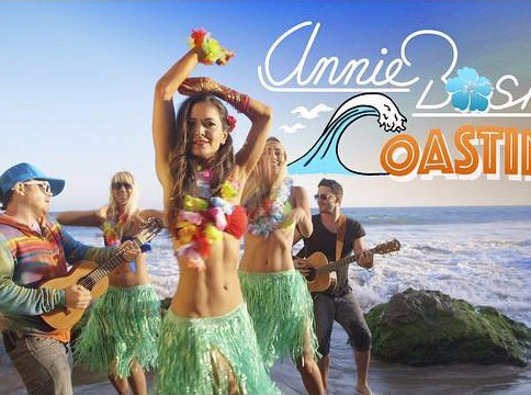 "Taste of Country Premieres Annie Bosko's new video, ""Coastin"""