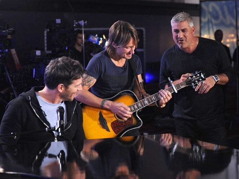 Taylor Hicks Jams with Keith Urban and Harry Connick JR at American Idol Filming for Season 15