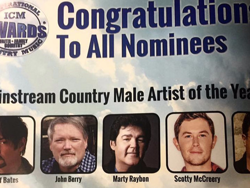 Marty Raybon wins Mainstream Country Male Artist of the Year at the 2017 ICM Awards