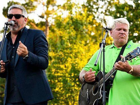 Taylor Hicks Performs with John Daly at Regions Open