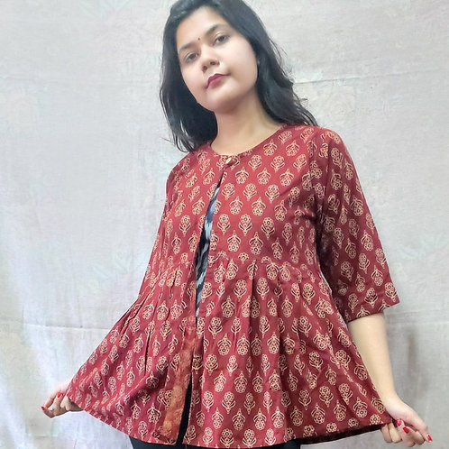 Tvarita Block Printed Shrug