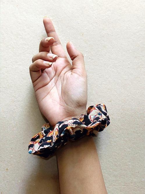 Kalamkari scrunchie