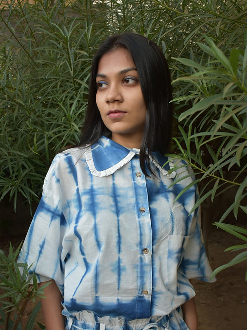 Neel tie dye oversized cotton shirt with ruffle collar