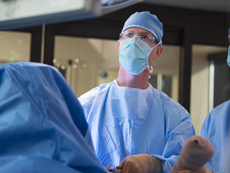 Dr. Kaplan Performs Shoulder Replacement Surgery with Real-time intra-operative Navigation
