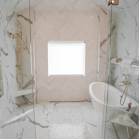 THE SHOWER SUITE
