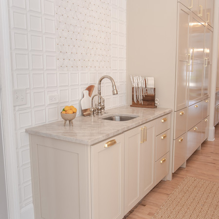 TILE WALL AND KITCHEN SINK