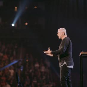 Combien Dieu est grand (Vidéo)