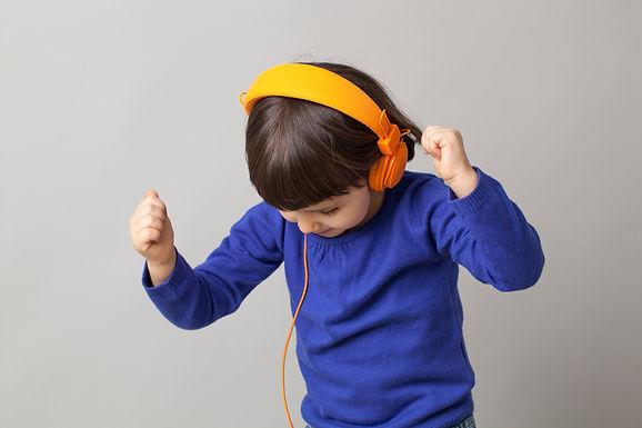 Tiny Dancer: A DJ Set for Kids (1)