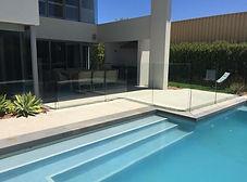 Glass pool femce