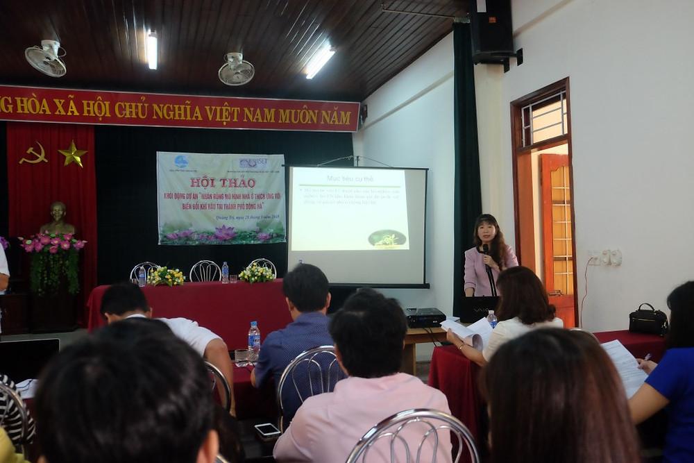 Quang Tri Women's Union introducing the project to workshop participants. Photo: ISET-Vietnam