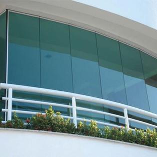 זכוכיות הזזה למרפסת
