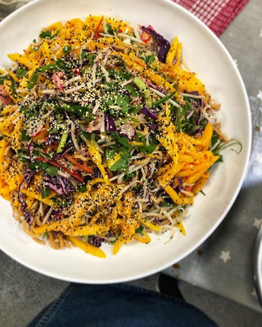 MANGO sesame, crunchy salad 🥭_._._._._