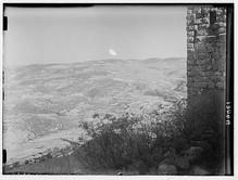 صورة من قلعة عجلون لمنطقة المستشفى