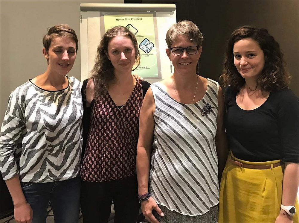 Au milieu à droite, Nathalie MASSE formatrice NET, chiropracteur au Québec