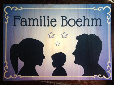 Familienschilder für die Türe in eurer Lieblingsfarbe und mit euren Silouetten