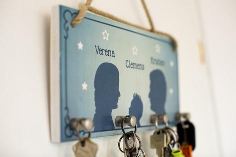 Schlüsselbrett mit euren Namen in eurer Wunschfarbe