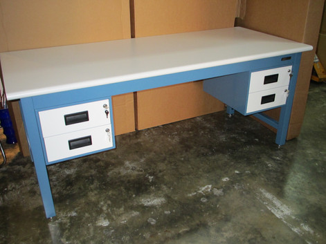 E-bench with drawers L_R.JPG