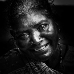 la femme indienne la vendeuse - Maurice- vincentvibert.com