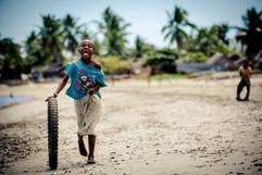 La course de pneu- Madagascar- vincentvibert.com
