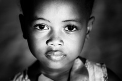 la petite fille - Madagascar- vincentvibert.com