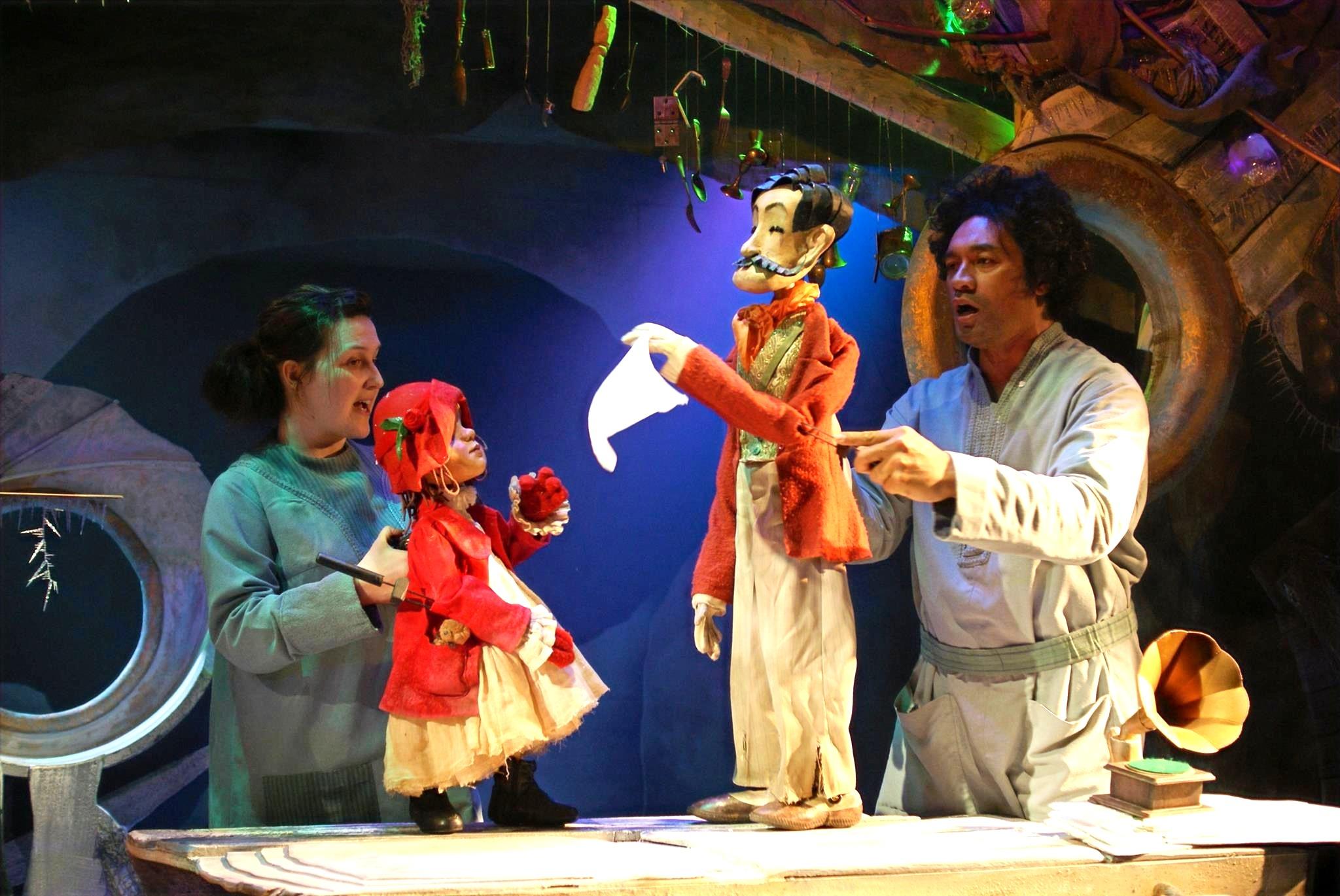 Puppet opera, Skitterbang Island
