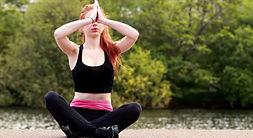 682306956-lotussitz-meditation-yoga-gesc
