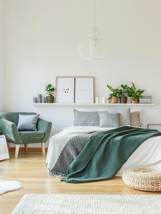 8 ways to organise your bedroom