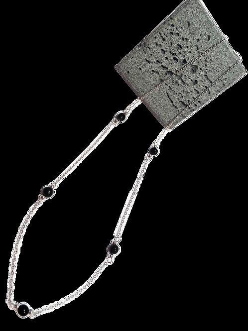 Collier conflore sur chaîne