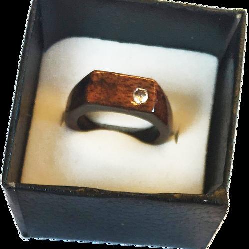 Chevalière en tamarin avec zirconium