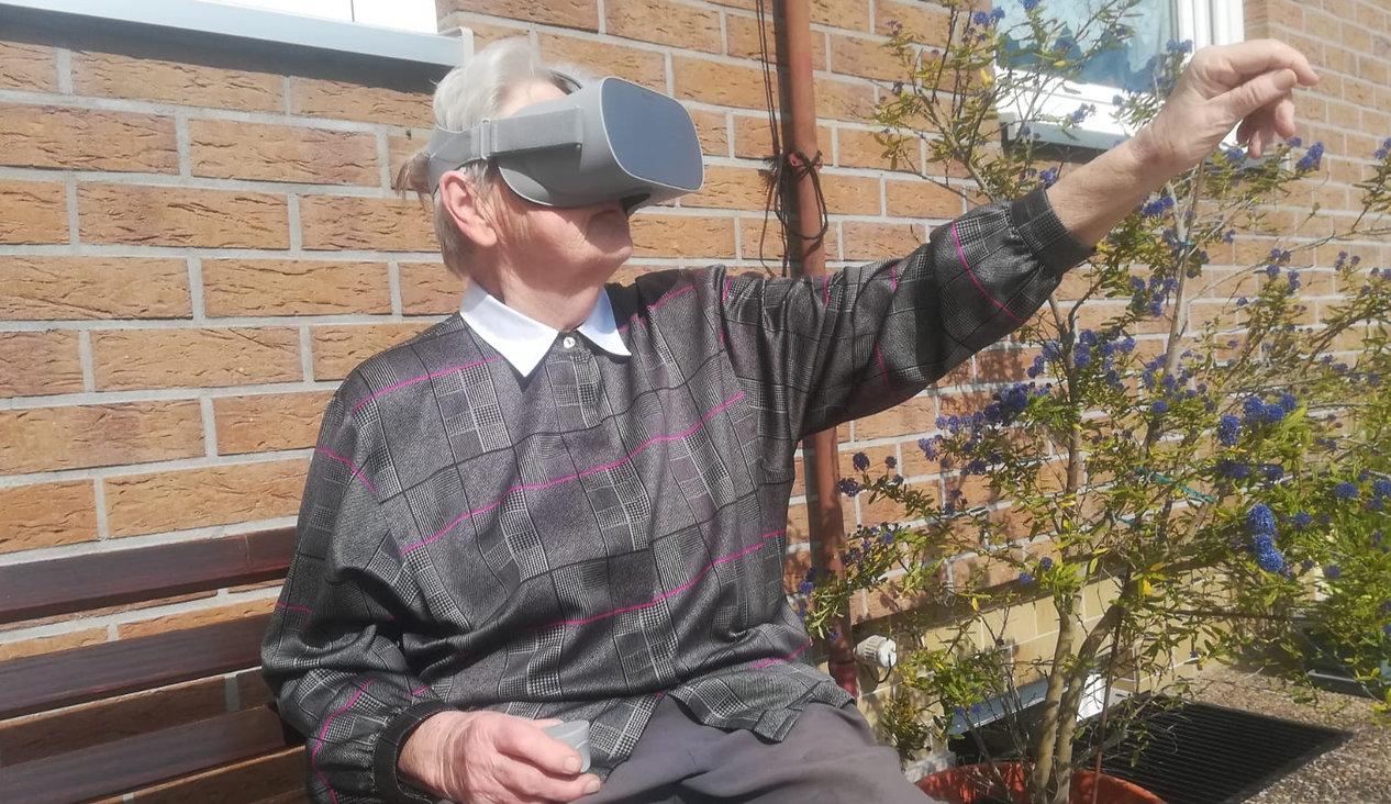 Mit Virtual Reality für Senioren bietet die Granny Vision GmbH einzigartige Erlebnisse für ältere Personen.