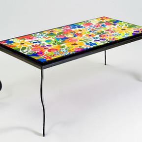 שולחן ברזל שחור, 2010