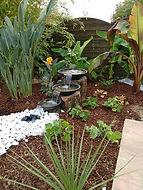 Une pelouse à tondre, une taille de haie, arbres et arbustes, Esprit Payasage à Albi, Tarn, vous propose l'entretien de vos espaces verts ainsi que l'aménagement de jardin. Esprit Paysage votre jardinier paysagiste dans le Tarn  à Albi. Entretien jardin à Albi, Tarn.