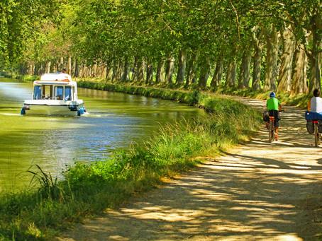 COMPOSTEZ UN ALLER SIMPLE VERS DES JOURS HEUREUX à l'Hostel Le Grand Bassin à Castelnaudary