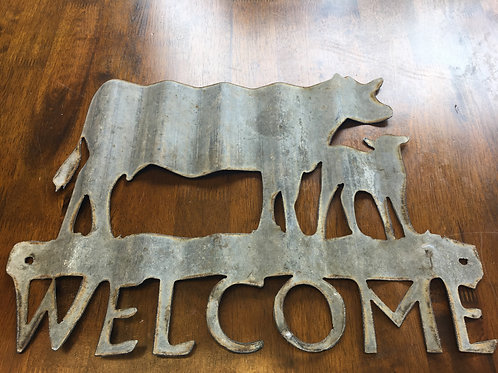 Corrugated welcome Cow Sign