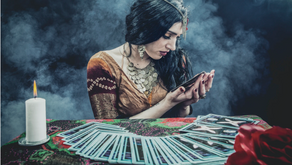 How To Choose Your Tarot or Oracle Card Deck