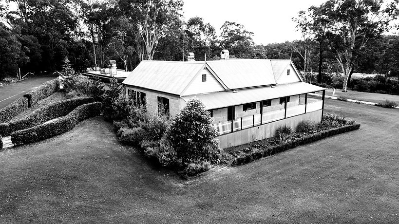Colonial Sandstone Cottage House_edited.jpg