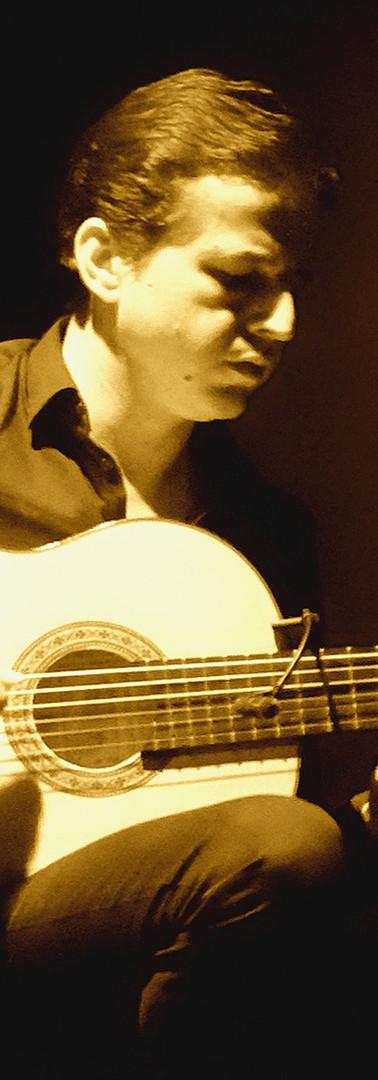 Angel Ruiz - Guitar