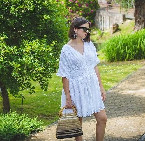 Biała sukienka w stylu boho