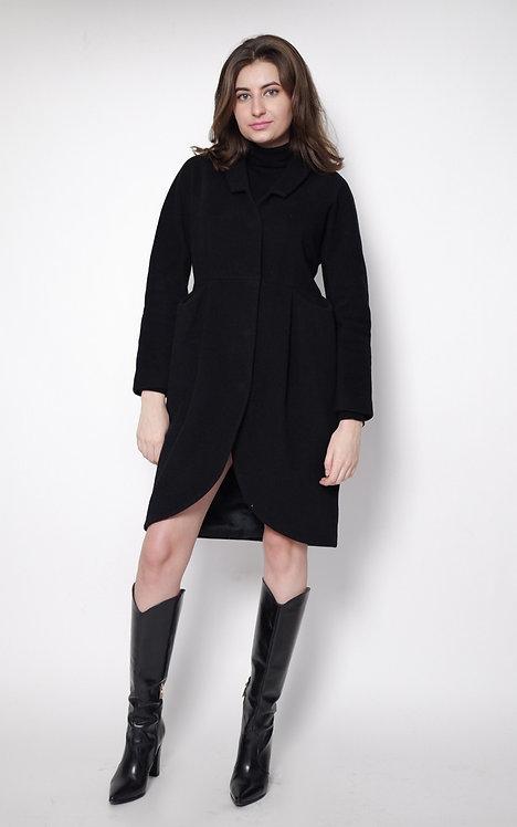 Czarny płaszcz SIMPLE