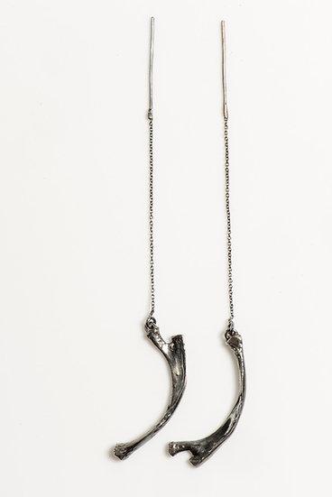 YESTERDAY'S OVER thread bone earrings (pair) black