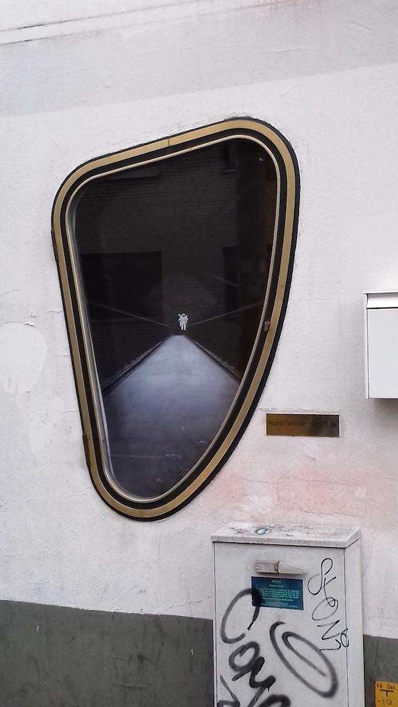 Amédé Ackermann stellt eine seiner Fotografie im Kunstfenster Mönchengladbach Rheydt aus.